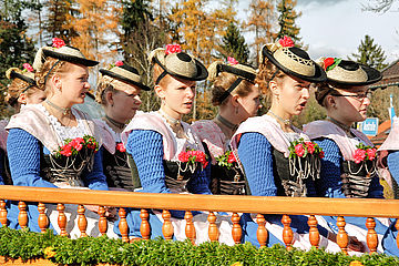 /fileadmin/user_upload/quiz/BB_RGB_Brandenburg_Quiz_Frage_6_Tracht_2.jpg